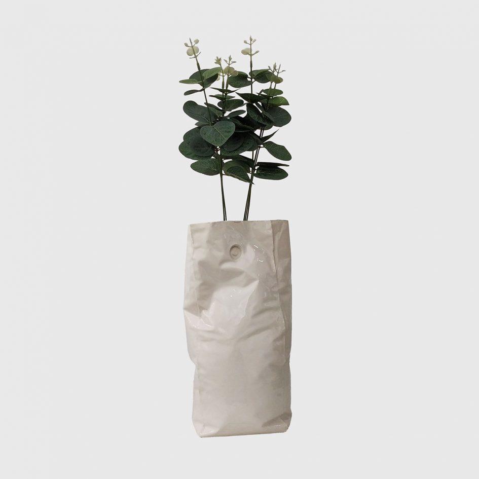 flower pot, white, crumpled