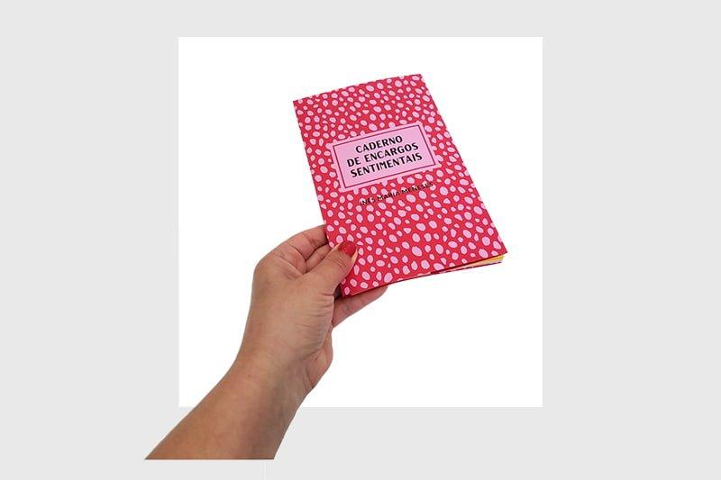 aderno-de-encargos-sentimentais book
